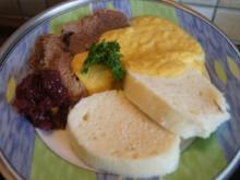 Falsches Rinderfilet gekocht mit Semmelknödel und Gemüsesauce - Rezept - Bild Nr. 3378