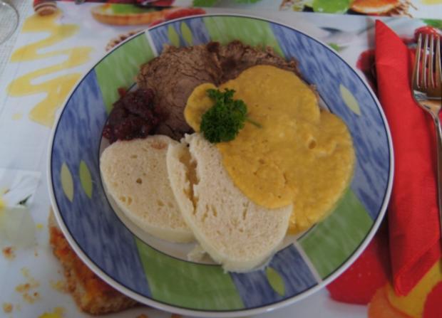 Falsches Rinderfilet gekocht mit Semmelknödel und Gemüsesauce - Rezept - Bild Nr. 3388