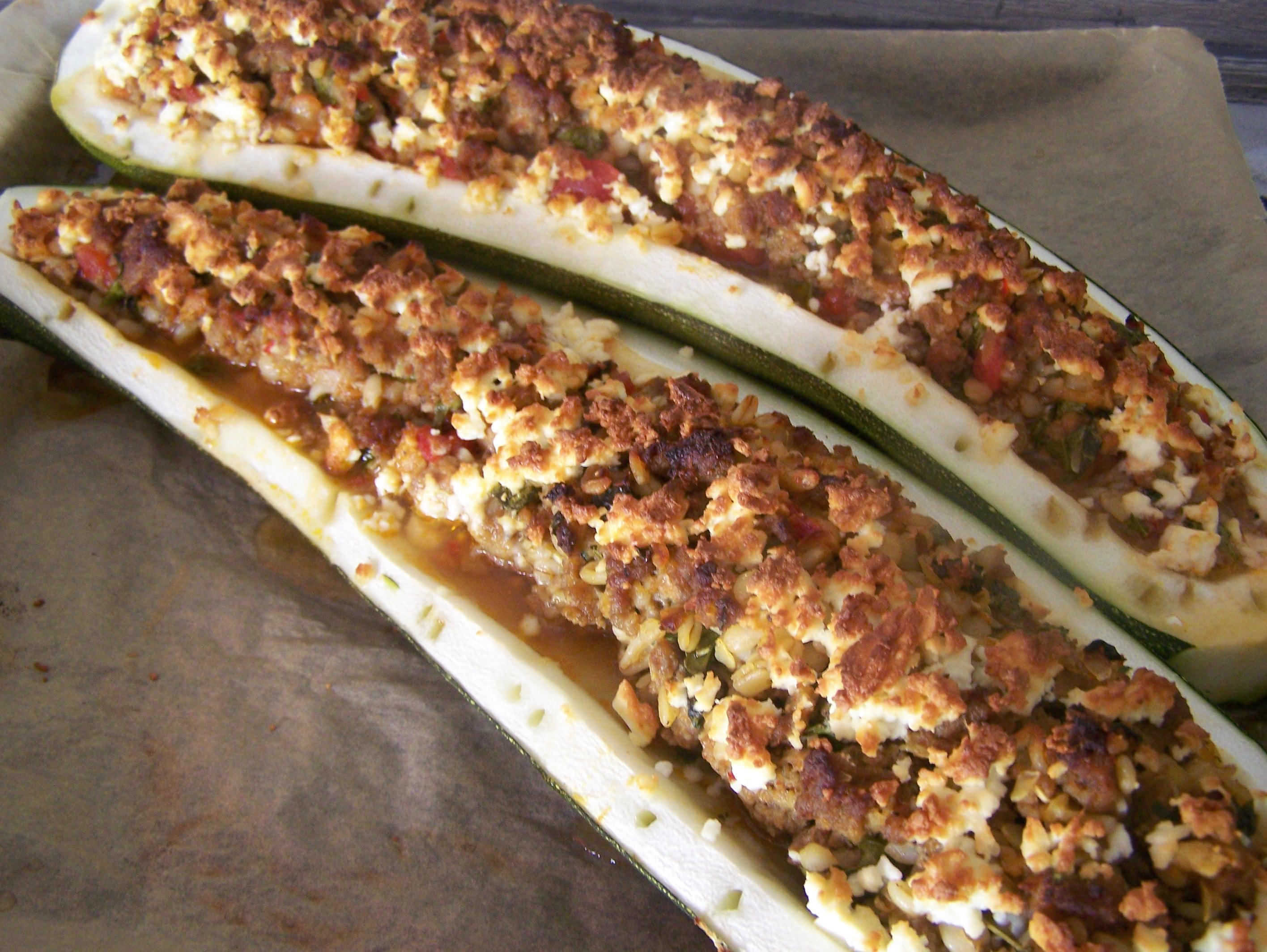 Ein Traum von einer Zucchini, gefüllt - Rezept By HOCI