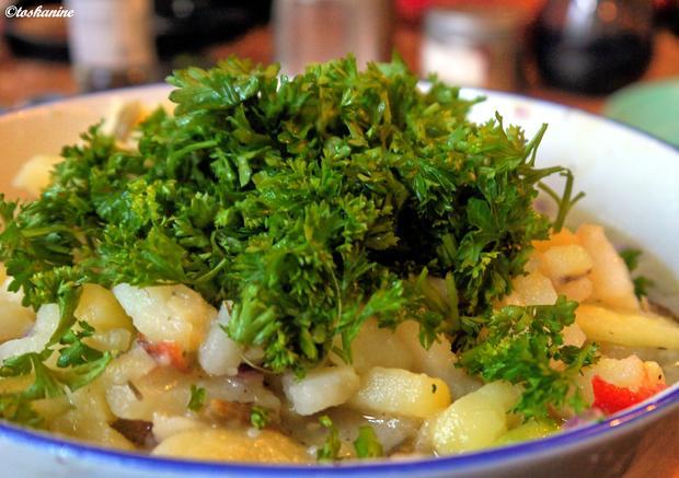 kartoffelsalat mit grüner gurke