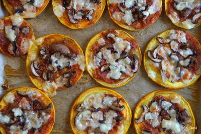Kleine runde Zucchini-Pizzen; vegetarisch - Rezept - Bild Nr. 2