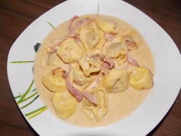 Rezept: Tortelloniauflauf mit Käse-Sahne Soße