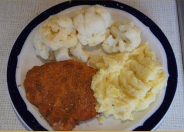 Hähnchenschnitzel mit Blumenkohl und Kartoffelstampf - Rezept - Bild Nr. 2