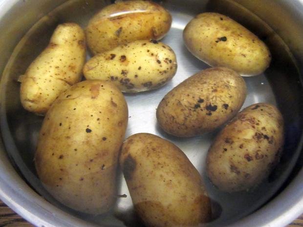 Kartoffelküchlein auf Mangoldgemüse - Rezept - Bild Nr. 3637
