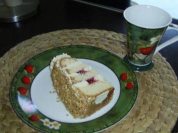 Rezept: Frankfurter Kranz mit Erdbeer-Rhabarber