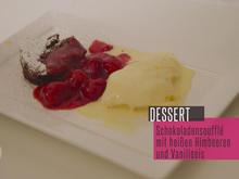 Verführerisches Schokoladensoufflé mit heißen Himbeeren und selbstgemachtem Vanilleeis - Rezept - Bild Nr. 2