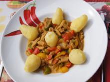 Sahne-Schweinefilet-Gemüse-Geschnetzeltes aus dem Wok mit Pellkartoffeln - Rezept - Bild Nr. 3677