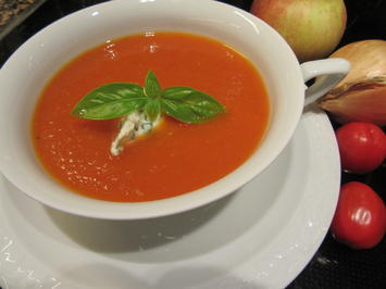 Rezept: Suppen: Fruchtige Tomatensuppe