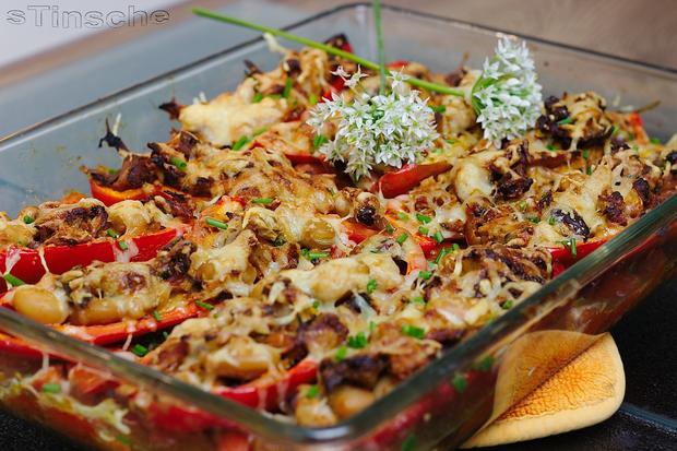 Gefüllte Paprika auf Schmortomaten - Rezept - Bild Nr. 3695