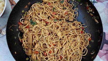 Gebratene Nudeln mit Hühnerfleisch (Chinesisch) - Rezept - Bild Nr. 3699