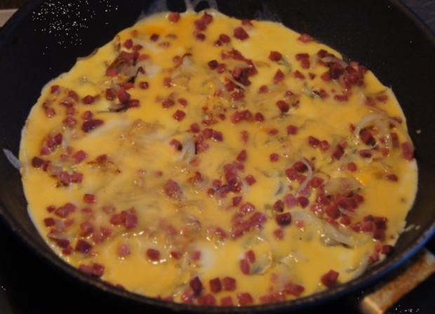 Zwiebel-Schinkenwürfel-Omelett - Rezept - Bild Nr. 3700