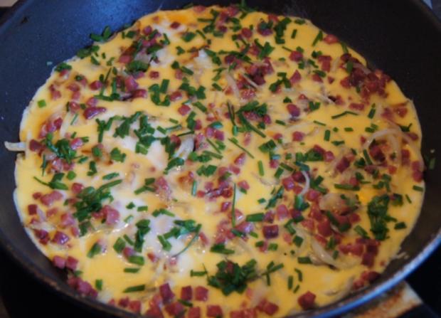 Zwiebel-Schinkenwürfel-Omelett - Rezept - Bild Nr. 3701