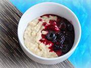 Frühstück: Bananen-Porridge mit Blaubeer-Kompott - Rezept - Bild Nr. 2