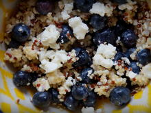 Pikant-fruchtiger Blaubeer-Ziegenkäse-Quinoa-Salat - Rezept - Bild Nr. 3939