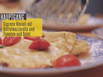 Caprese-Ravioli mit Büffelmozzarella und Birne-Pekannuss-rote Beete-Salat - Rezept - Bild Nr. 3787