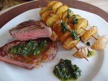 Rumpsteak mit Pfeffer-Salsa-verde und Kartoffelspieße - Rezept - Bild Nr. 3812
