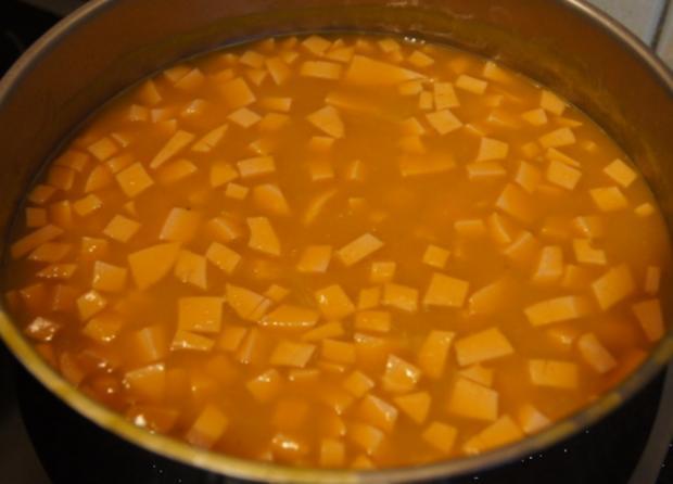 Kürbissuppe mit Ingwer und Schinkenfleischwurst - Rezept - Bild Nr. 3841