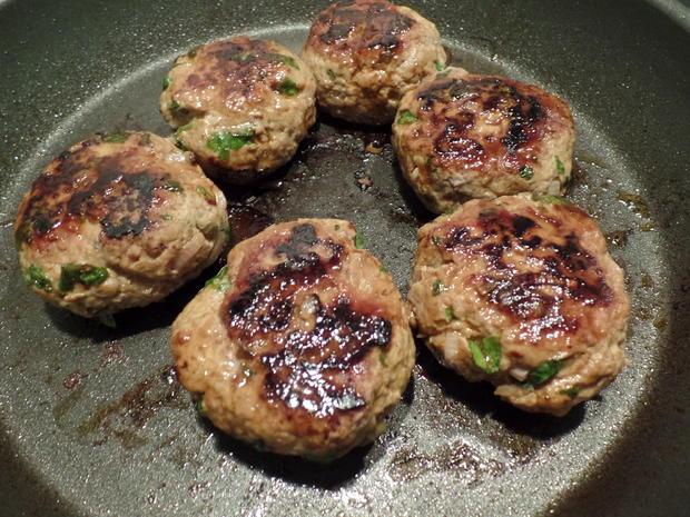 Tatarfrikadellen mit Kartoffelecken - Rezept - Bild Nr. 3838