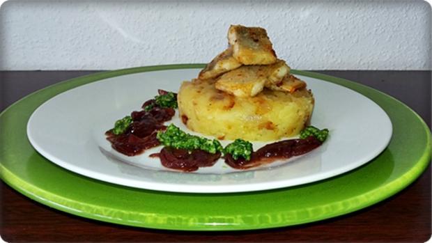 Zander auf Kartoffelbett mit Rotezwiebelmarmelade & Rucola-Pesto - Rezept - Bild Nr. 3842