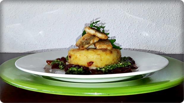 Zander auf Kartoffelbett mit Rotezwiebelmarmelade & Rucola-Pesto - Rezept - Bild Nr. 3844