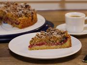 Zwetschgenkuchen mit Haselnuss-Marzipanstreusel - Rezept - Bild Nr. 3