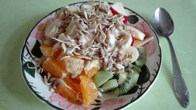 Rezept: Obst - Frühstück mit gekeimten Sonnenblumenkernen