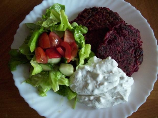 Rote Bete-Kartoffel Puffer mit einem frischen Quark-Dill-Dip - Rezept - Bild Nr. 3870