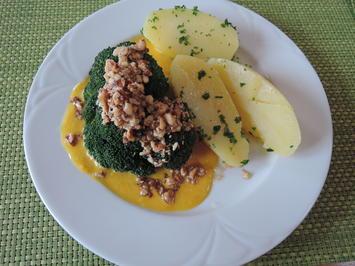 Gedämpter Broccoli auf Kürbis - Mangosoße mit gebutterten Nüssen - Rezept - Bild Nr. 3877