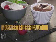 Baileys-Schokoküchlein mit Beerensalat und Vanille-Sauerrahm (Meta Hiltebrand) - Rezept - Bild Nr. 2