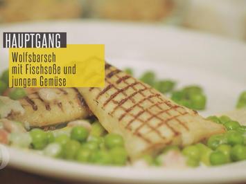 Wolfsbarsch auf grünem Spargel mit Erbsen & Fischfondsauce mit Nordseekrabben - Rezept - Bild Nr. 3918
