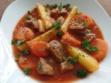 Paprika-Gulasch mit Kartoffeln - Rezept - Bild Nr. 4241