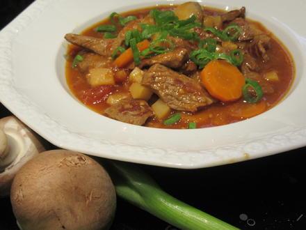 Suppen: Fränkischer Seelenwärmer - Rindfleisch-Topf mit viel Gemüse - Rezept - Bild Nr. 4267