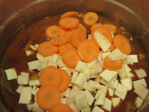 Suppen: Fränkischer Seelenwärmer - Rindfleisch-Topf mit viel Gemüse - Rezept - Bild Nr. 4278