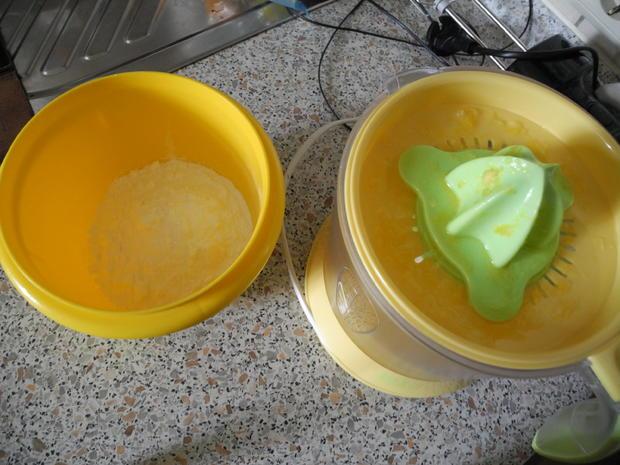 """Blätterteig - Streußel - Kuchen mit Orangen/Zitronenguss """"Prasselkuchen"""" - Rezept - Bild Nr. 4346"""