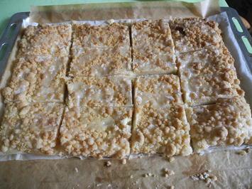 """Rezept: Blätterteig - Streußel - Kuchen mit Orangen/Zitronenguss """"Prasselkuchen"""""""