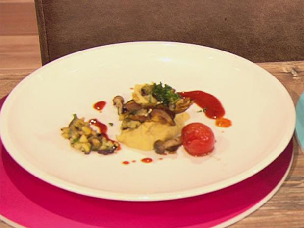 Veganes Auberginentürmchen mit Kichererbsen-Creme (Blick in Zacherls Topf) - Rezept - Bild Nr. 2