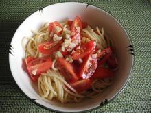Knoblauch - Tomaten - Nudeln - Rezept - Bild Nr. 4424