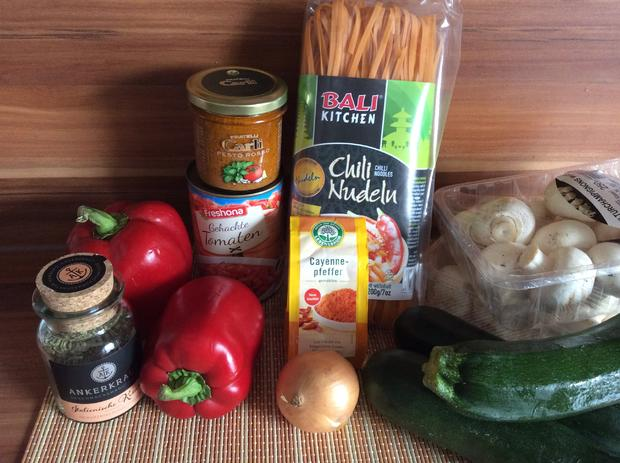 Chili Nudeln mit Gemüse auf italienische Art, leicht scharf - Rezept - Bild Nr. 4433