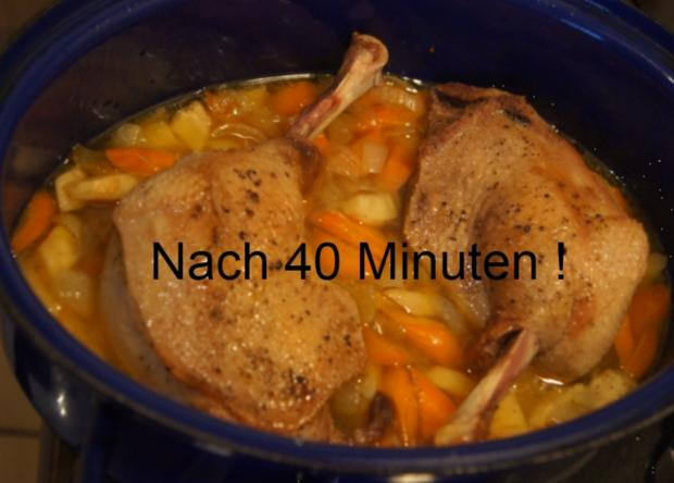 Gänsekeule mit Gemüse-Rahm-Sauce, Knödel und Ananas-Apfel-Rotkohl - Rezept - Bild Nr. 4482