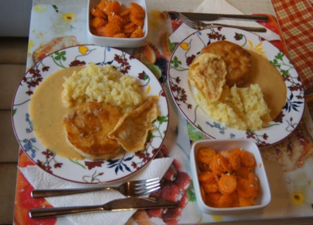 Sellerieschnitzel mit Sellerie-Kartoffelstampf und Möhrenblüten-Antipasta - Rezept - Bild Nr. 4486