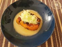 Geschmorte Kürbisschnitte mit Fenchel-Apfelsalat und Rooibusch-Beurre-Blanc - Rezept - Bild Nr. 4557