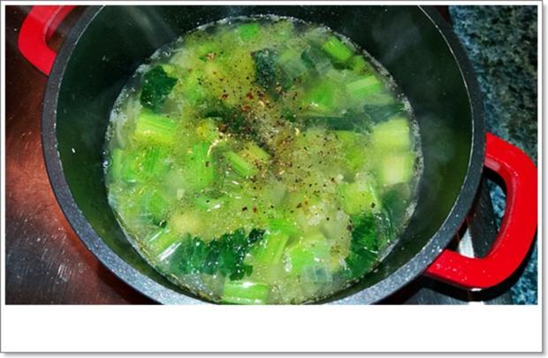 Cremige Staudensellerie-Salbei-Suppe - Rezept - Bild Nr. 4589