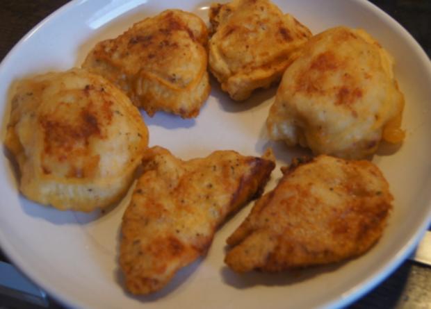 Gebratene Nudeln mit Ei, Gemüsestreifen und gebackenen Hähnchenbrustfilet - Rezept - Bild Nr. 4612
