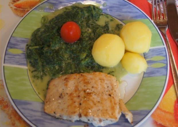 Wildlachsfilet Mit Rahm Blattspinat Und Salzkartoffeln Rezept
