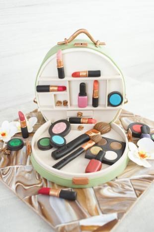 'Sally backt' Kosmetikkoffer-Torte - Rezept - Bild Nr. 8