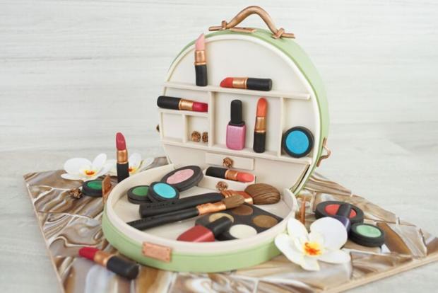 Sally Backt Kosmetikkoffer Torte Rezept Kochbar De