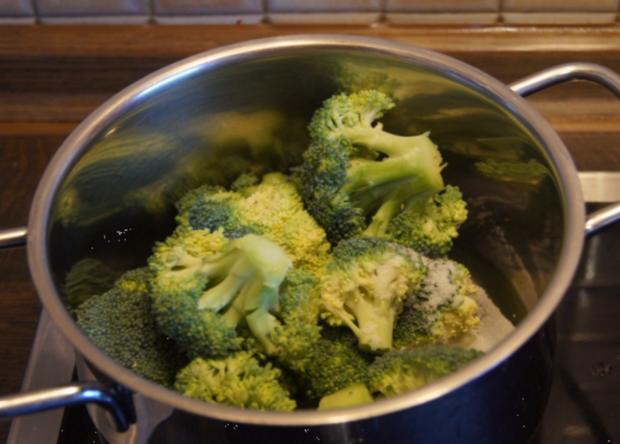 Rindergulasch ( Suppe )  mit Gemüsemix, Brokkoli und Kartoffeln - Rezept - Bild Nr. 4722