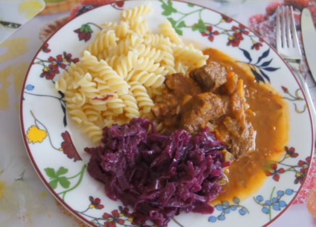 Rindergulasch ( Suppe )  mit Gemüsemix, Brokkoli und Kartoffeln - Rezept - Bild Nr. 4728