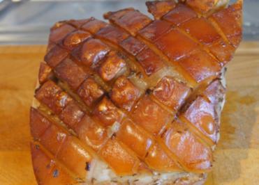 Rezept: Schweinekrustenbraten auf Prager Art mit Sauce