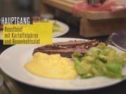 Roastbeef mit Rotwein-Printen-Soße an Kartoffelpüree und lauwarmen Rosenkohlsalat - Rezept - Bild Nr. 2